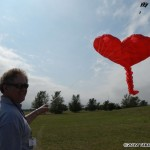 773 - Rob Cembalest flying a heart kite