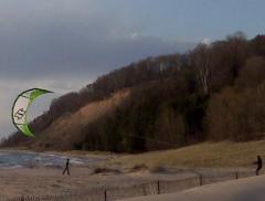 Fellow kiteboarder getting ready to go