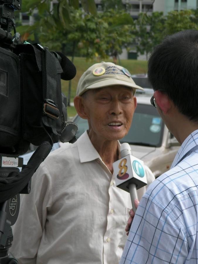 Oldest member of Singapore Kite Association (SKA), 86 years old Mr. Ng, being interviewed...