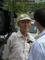 Oldest member of Singapore Kite Association (SKA), 86 years old Mr. Ng, being interviewed...