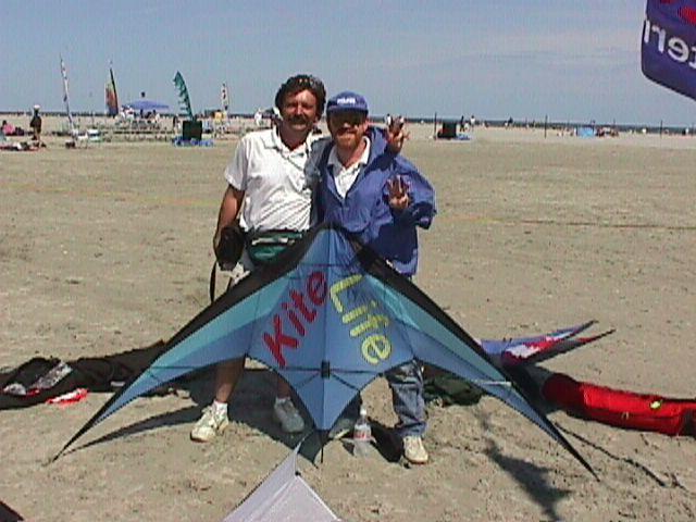 Kitelife pairs team, Mike Gillard and Vern Balodis