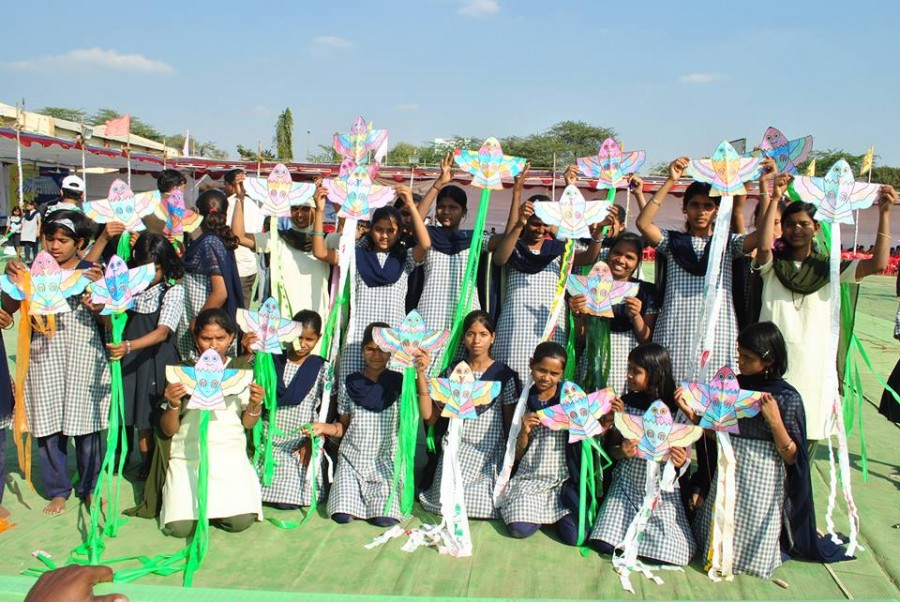 Kite World Records India in Limca Book Records 2013 and World Records India