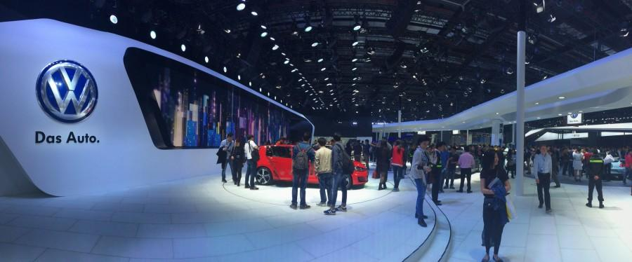 FINALLY, cars on stage.